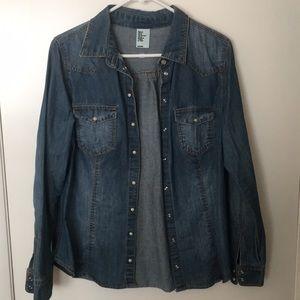 H&M denim button up shirt. Size large.